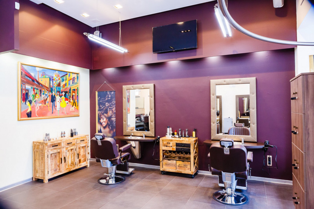 Wall art gives the salon a tranquil yet colorful touch