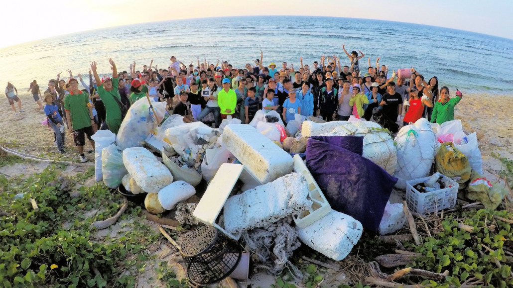Cleaning up the beaches is the last step to dealing with marine pollution. The results are momentary, but reducing plastics is a lifelong commitment (source: Hiin Studio)